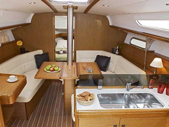 Jeanneau Sun Odyssey 36i interior